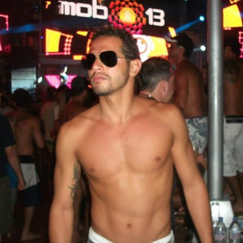Tiago Iesbick's avatar