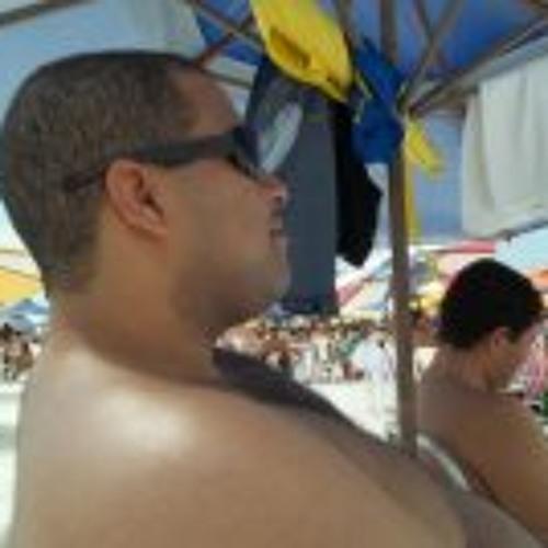 Thiago S Santos's avatar