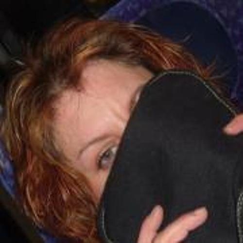 Emma Angus's avatar