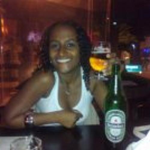Catharine Lenise Silva's avatar