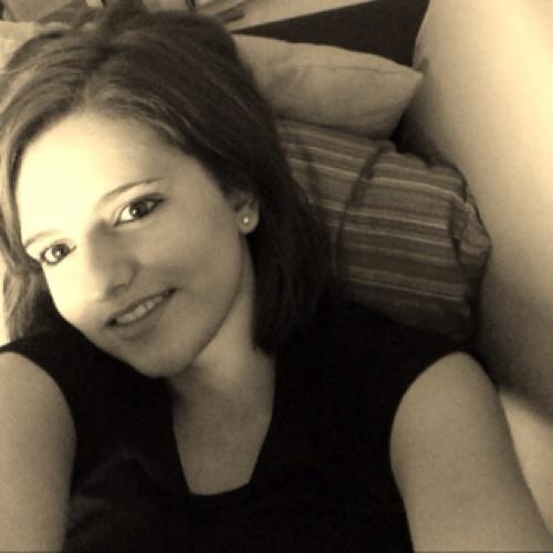 mariaa<33's avatar