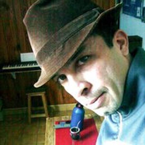 Alejandro Albarenque's avatar
