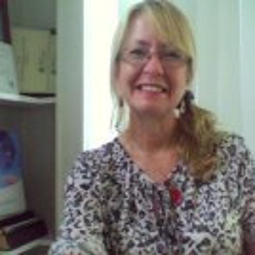 Suzanne Bowen's avatar