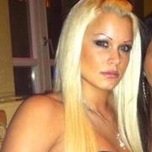 Gina Dom's avatar