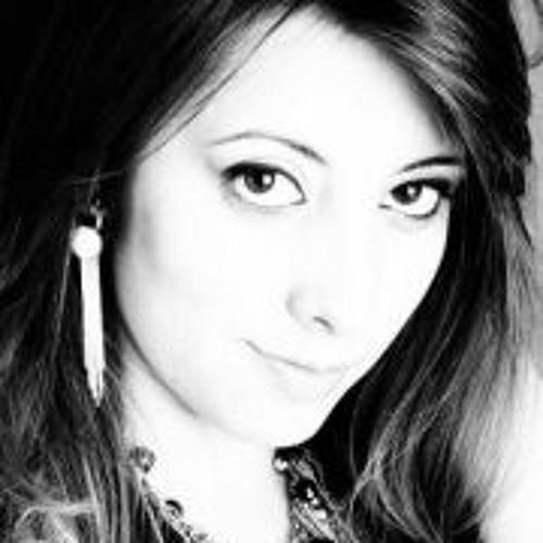 Deborah Almeida 3's avatar