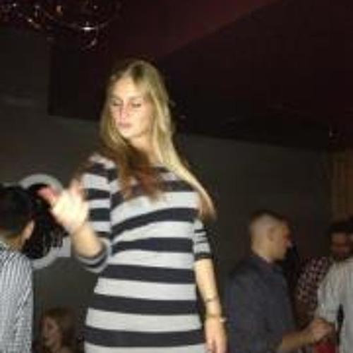 Brooke Moore 7's avatar
