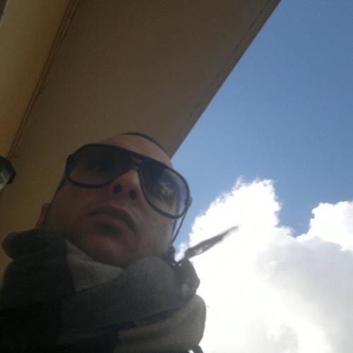Simone De Milito's avatar