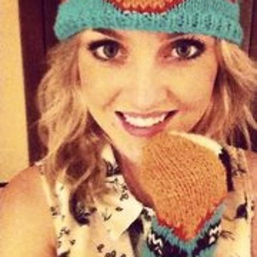 Caroline Vonne's avatar