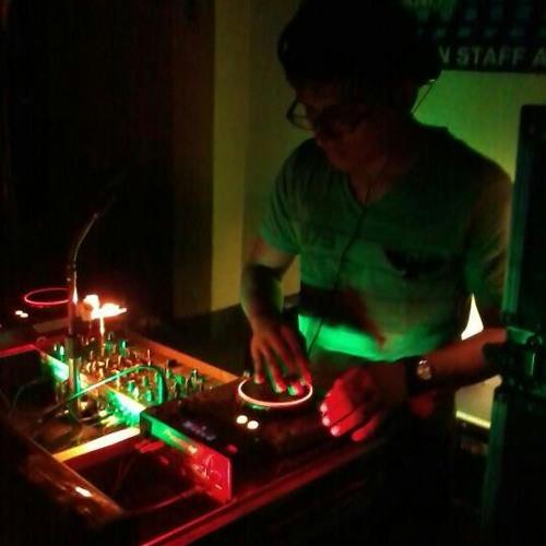 Djkhriz Mix's avatar