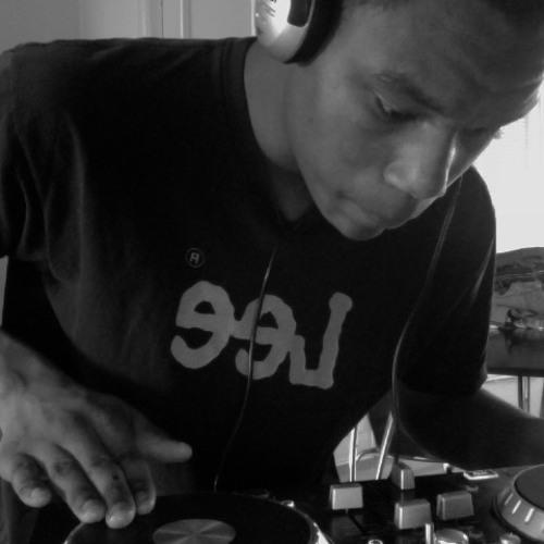 DJ BrickHouse's avatar