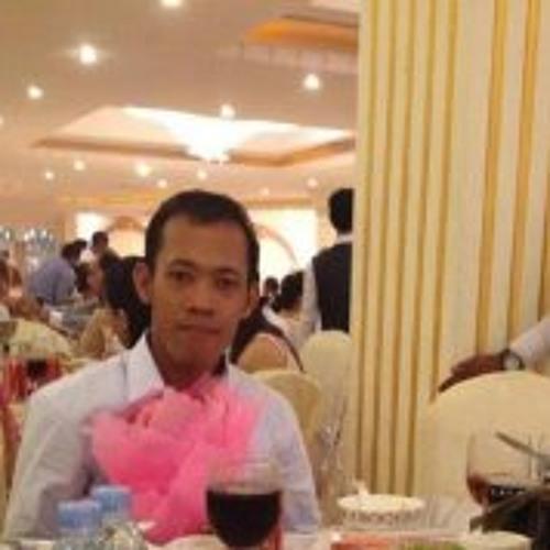 Ratanak Seng's avatar