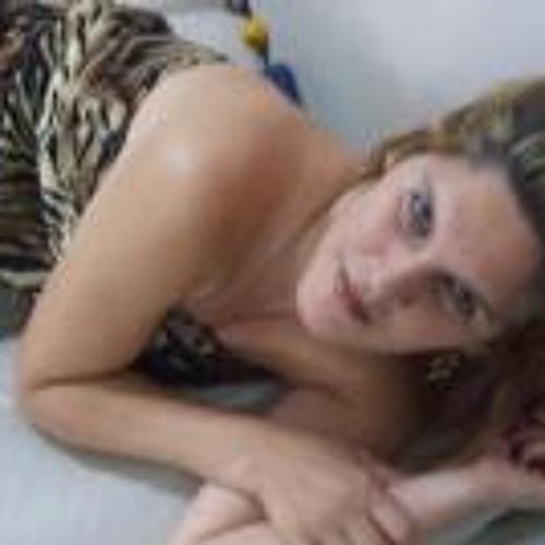 Juliane Vieira 2's avatar