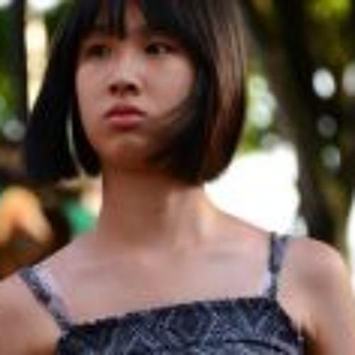 Ch'ng D'Yinn's avatar