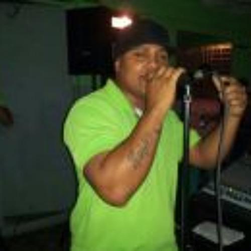 Luis Lozada 6's avatar