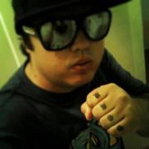 Luciano Bdog's avatar