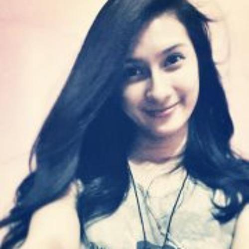 Queena Lou Ty's avatar