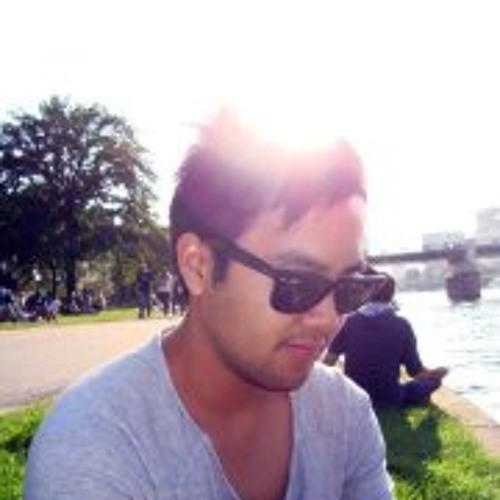 Daniel Dao's avatar