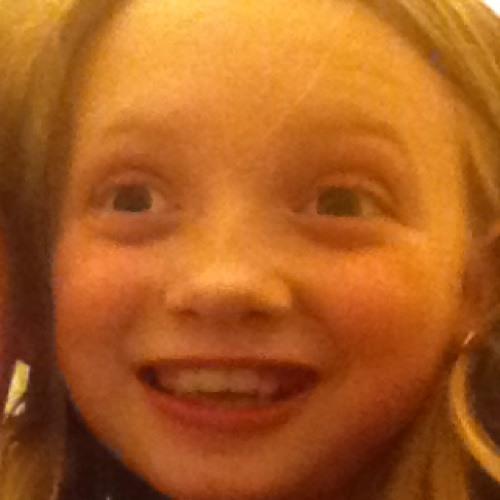 Ellepug@hotmail.co.uk's avatar