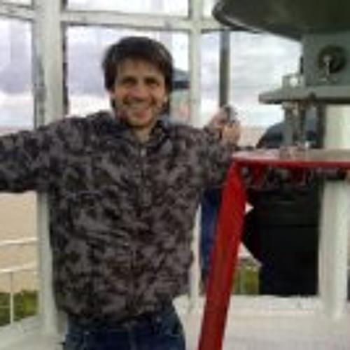 Luciano Vilas's avatar