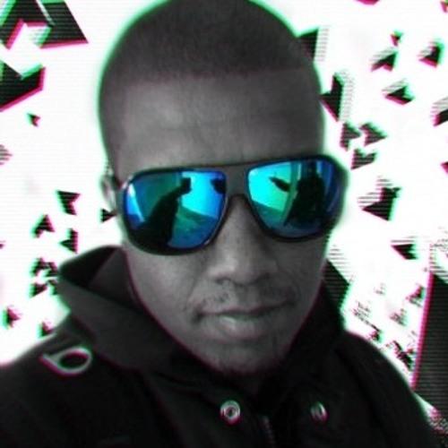DENZEL UOSH's avatar