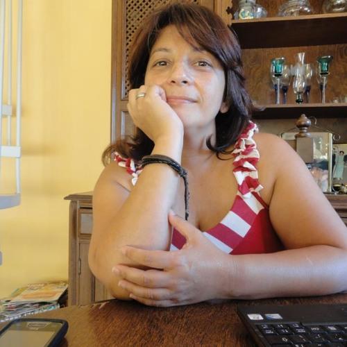 Lilian Ferreira's avatar