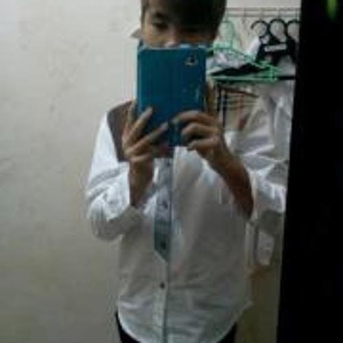 Chi Hong Mong's avatar
