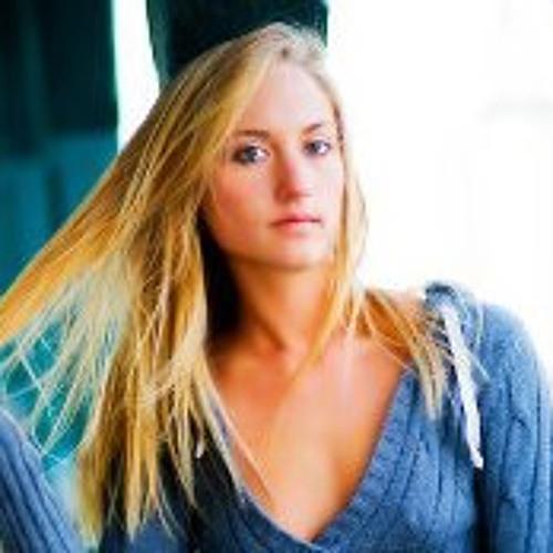Kelly Clattenburg's avatar