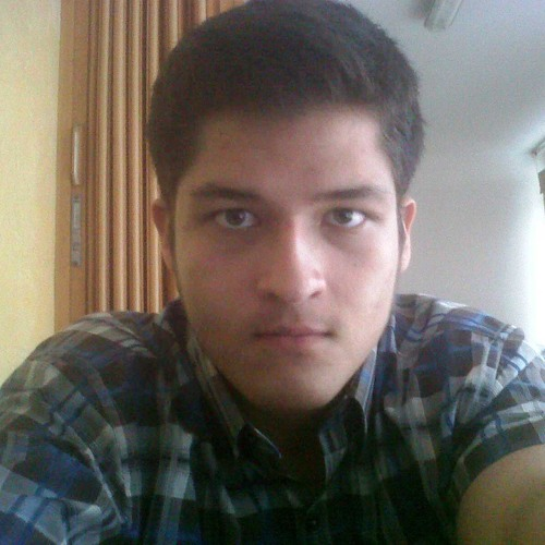 Luis M Pack's avatar