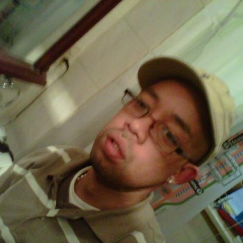 djTRAVIS1's avatar