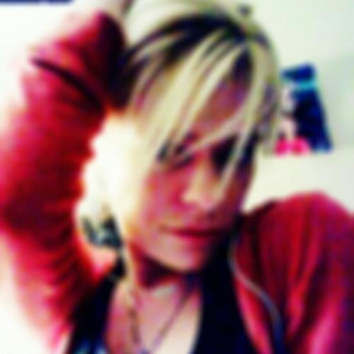 HollyWoodOnDeck's avatar