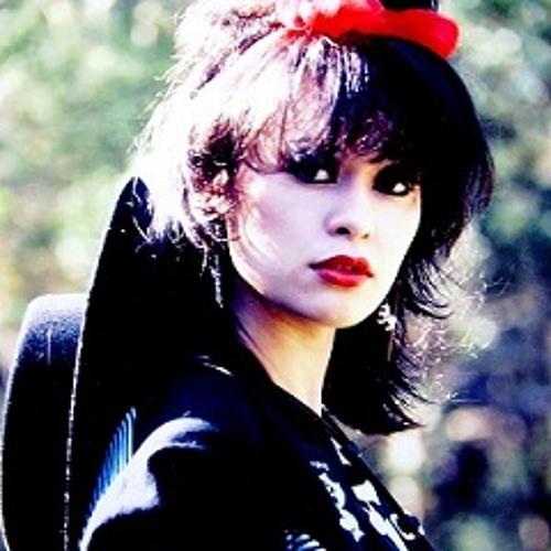 Lianne Rowe's avatar