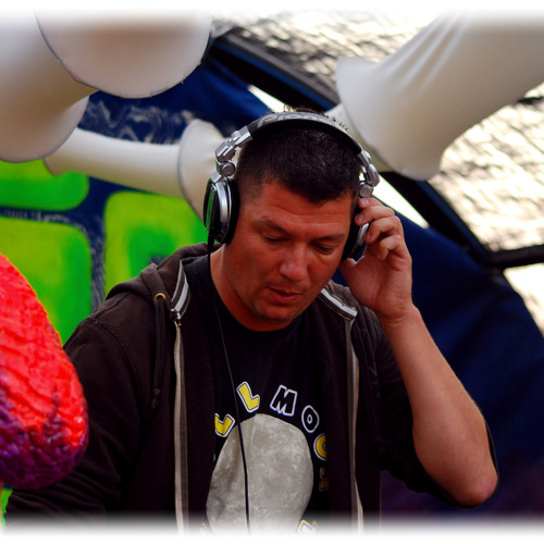 DJ CHRISS 1's avatar