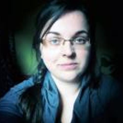 Karine Tavares's avatar