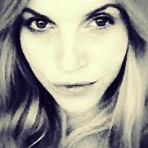 Cati Becker's avatar