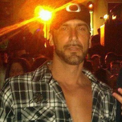 Ken Medeiros's avatar