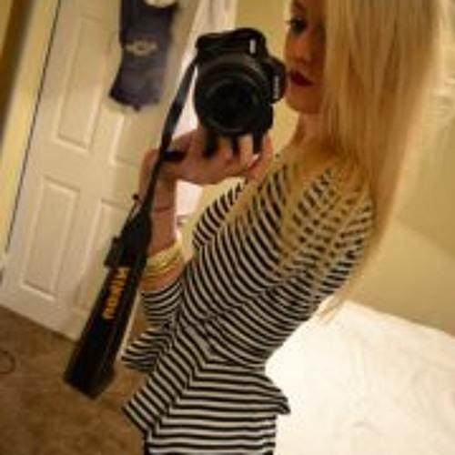 Lucy Holland 3's avatar