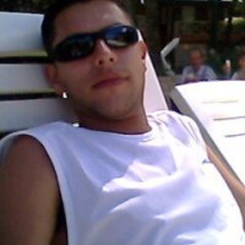 Miguel Angel Reyes 10's avatar