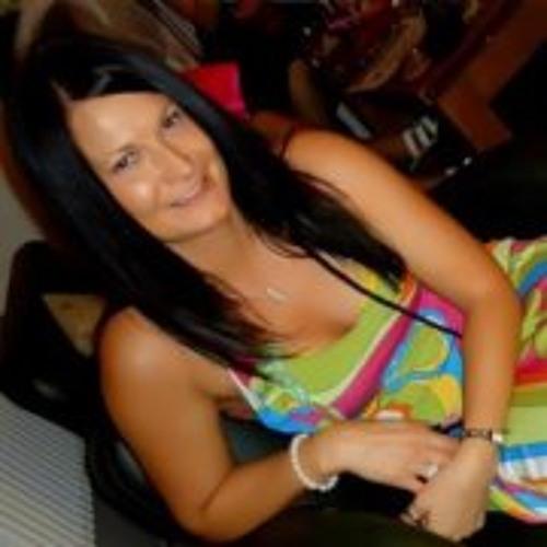 Stella E Osborne's avatar