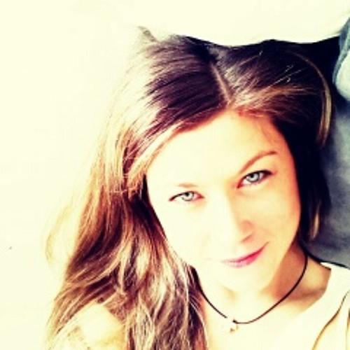 Lexi Ngton's avatar