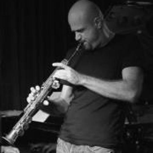Guto Lucena's avatar