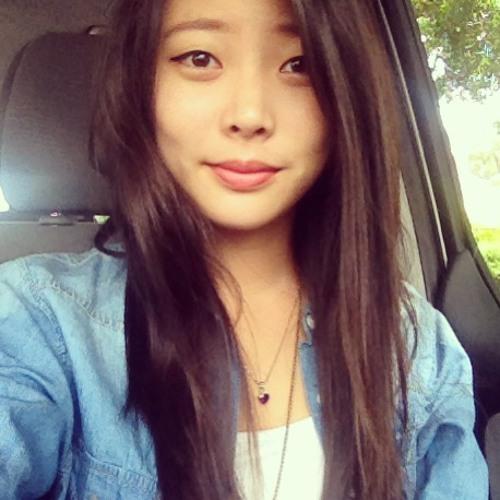 Cthrn Rm Kwn's avatar