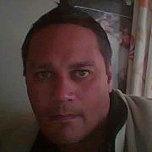 Russell Ruru's avatar