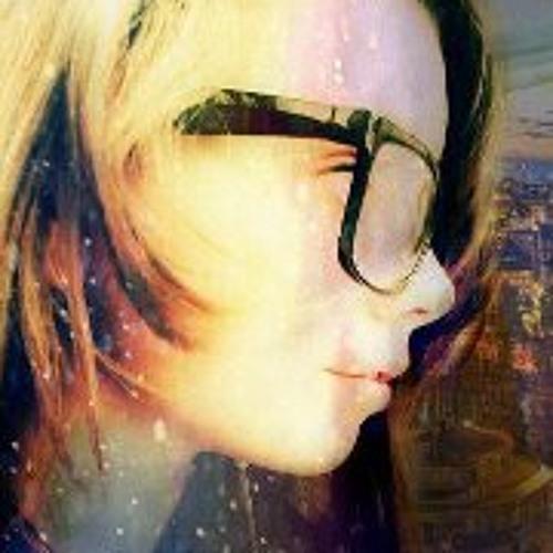 Lena Brake's avatar