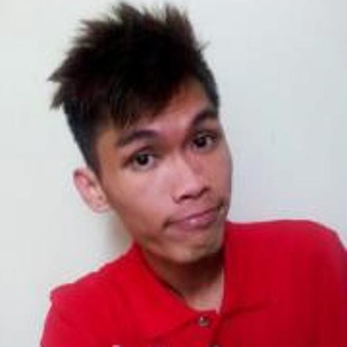 Lucas Liow's avatar