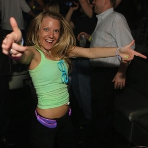 Amy @ EDM Chicago's avatar