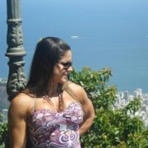 Lizandra Goulart's avatar