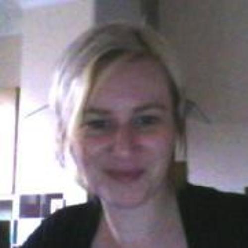 Terri Edmond's avatar