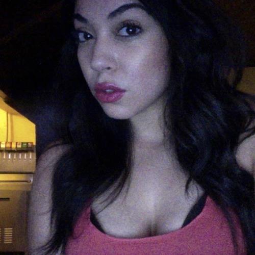 Nina (B)'s avatar