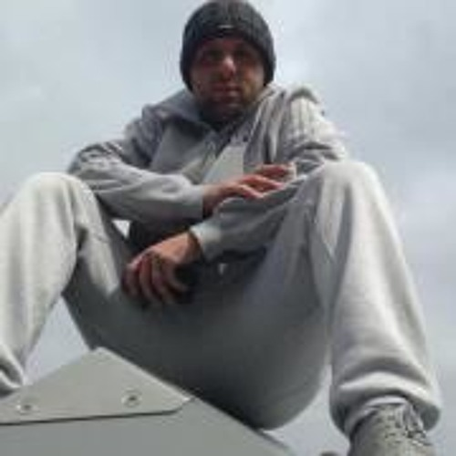Hussyen Dervish's avatar