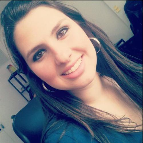 Louise Azanha's avatar